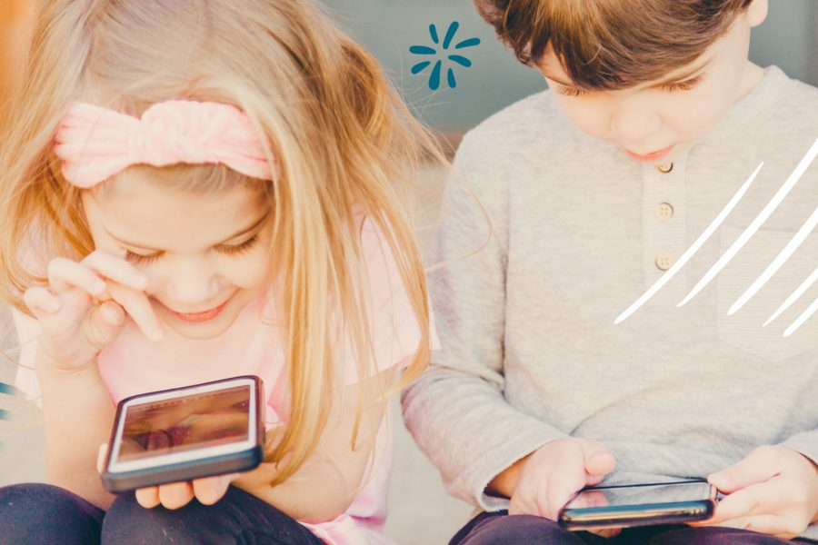 children playing phone 900x600 - App For Parents To Monitor Their Children